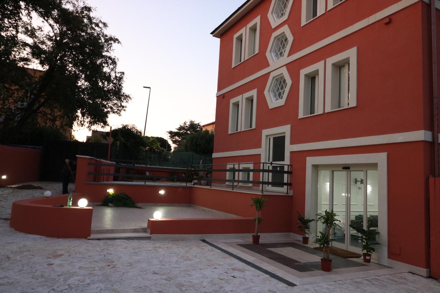 esterno palace rome